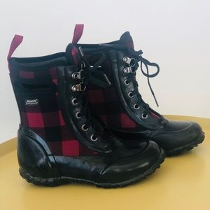 BOGS Kids Sidney Waterproof Boots in Buffalo Plaid